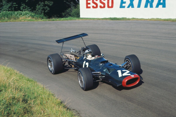 1968 International Gold Cup.  Oulton Park, England. 17th August 1968.  Pedro Rodriguez, BRM P126, 4th position.  Ref: 68GC08. World Copyright: LAT Photographic