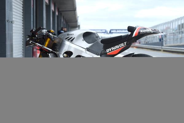2017 Moto2 Championship - Round 16 Phillip Island, Australia. Thursday 19 October 2017 Sandro Cortese, Dynavolt Intact GP bike World Copyright: Gold and Goose / LAT Images ref: Digital Image 698215