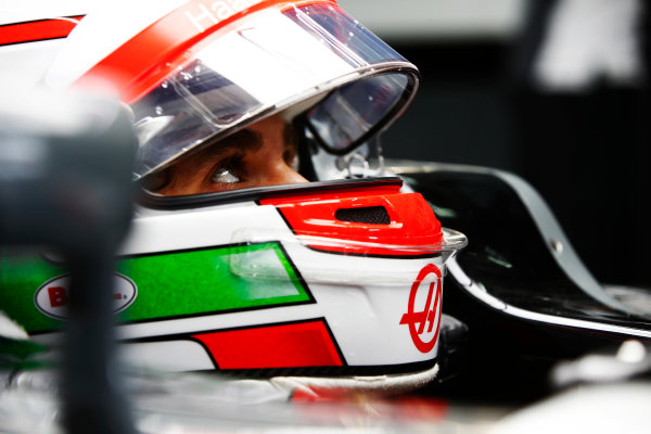 Sepang International Circuit, Sepang, Malaysia. Friday 29 September 2017. Antonio Giovinazzi, Haas F1 Team, in helmet, in cockpit. World Copyright: Andy Hone/LAT Images  ref: Digital Image _ONY1264