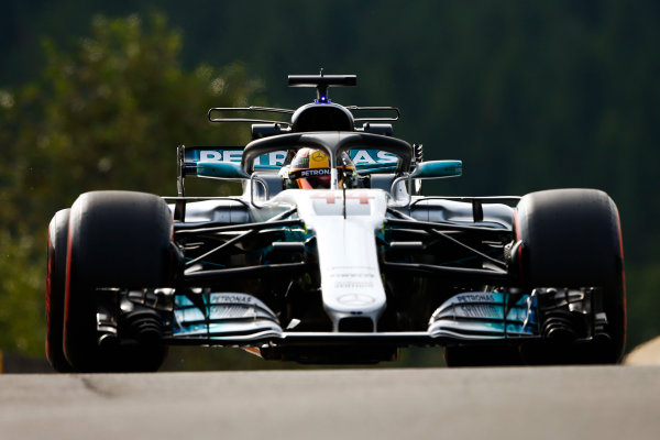 Spa Francorchamps, Belgium.  Friday 25 August 2017. Lewis Hamilton, Mercedes F1 W08 EQ Power+, uses the halo device. World Copyright: Andy Hone/LAT Images  ref: Digital Image _ONZ8691