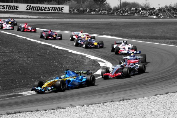 Giancarlo Fisichella (ITA) Renault R26.Formula One World Championship, Rd 5, European Grand Prix, Race, Nurburgring, Germany, 7 May 2006. DIGITAL IMAGE