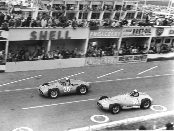 Reims, France.29/6-1/7 1956.Maurice Trintignant (number 28, Bugatti T251) and Robert Manzon (Gordini 32).Ref-Autocar C47516.World Copyright - LAT Photographic