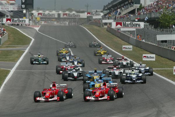 2003 Spanish Grand Prix - Sunday Race,Barcelona, Spain. 4th May 2003 The start of the Spanish grand prix.World Copyright: Steve Etherington/LAT Photographic ref: Digital Image Only