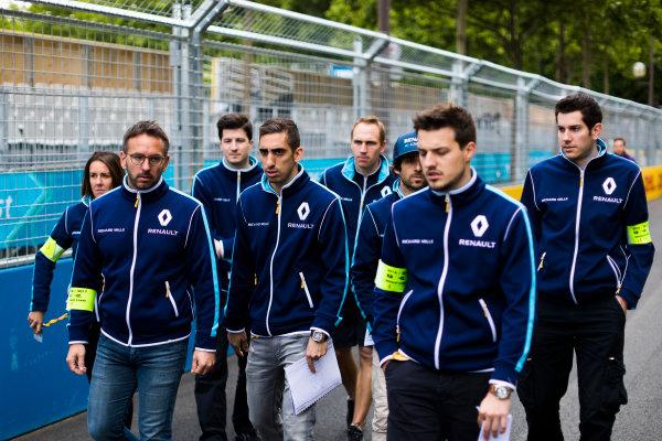 2016/2017 FIA Formula E Championship. Qatar Airways Paris ePrix, France. Friday 19 May 2017. Sebastien Buemi (SUI), Renault e.Dams, Spark-Renault, Renault Z.E 16.  Photo: Sam Bloxham/LAT/Formula E ref: Digital Image _J6I7732