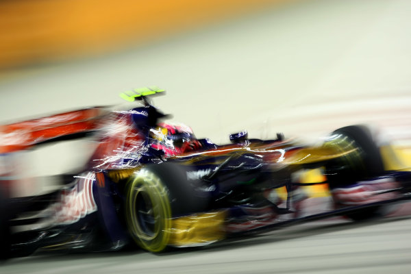 Marina Bay Circuit, Singapore.24th September 2011.Jaime Alguersuari, Toro Rosso STR6 Ferrari. Action. World Copyright: Andy Hone/LAT Photographicref: Digital Image CSP28057