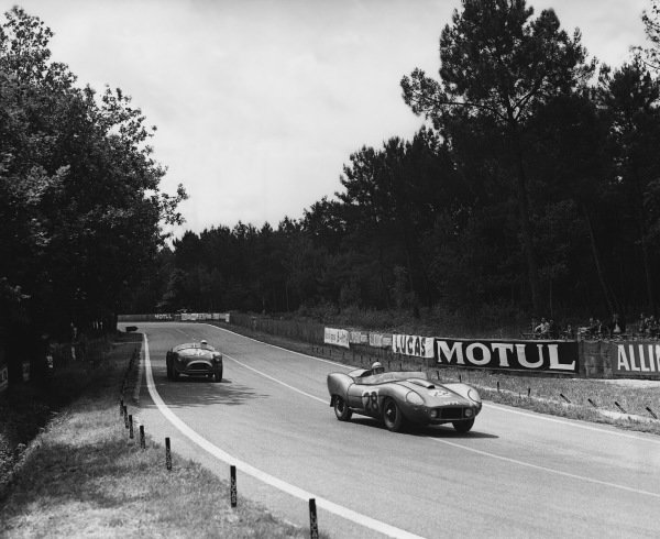 Le Mans, France. 21st - 22nd June 1958 Peter Bolton/Dick Stoop (AC Ace LM Bristol), 8th position, leads Hubert Patthey/Georges Berger (AC Ace Bristol), 9th position, action. World Copyright: LAT Photographic Ref: Autocar Used Pic 27th June 1958 Pg 964.