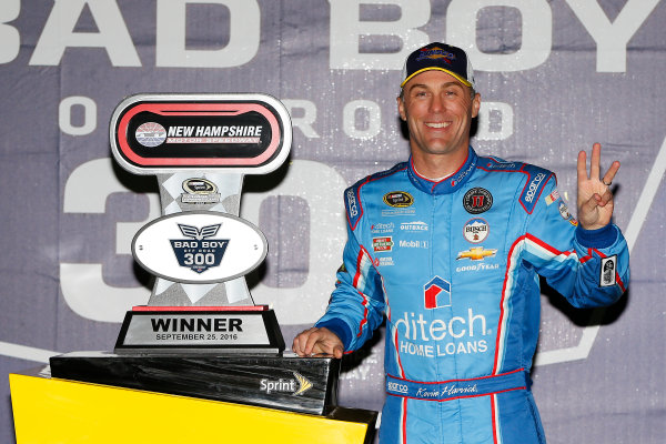 23-25 September, 2016, Loudon, New Hampshire USA Kevin Harvick celebrates in victory lane  ?2016, Russell LaBounty LAT Photo USA