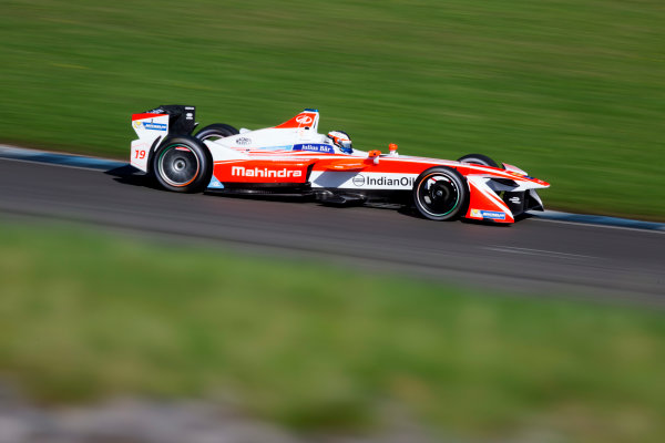 FIA Formula E Second Pre-Season Testing Event. Donington Park Racecourse, Derby, United Kingdom. Felix Rosenqvist, Mahindra Racing, Spark-Mahindra. Photo: Alastair Staley / LAT ref: Digital Image 580A6505