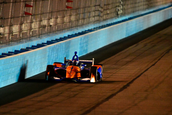 2018 Verizon IndyCar Series Phoenix testing Phoenix Raceway, Avondale, Arizona, USA Thursday 8 February 2018 Scott Dixon, Chip Ganassi Racing Honda tests windscreen at night World Copyright: Scott R LePage/LAT Images ref: Digital Image _SRL0673
