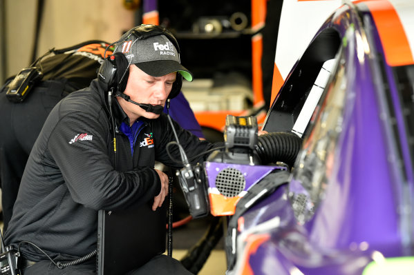 Monster Energy NASCAR Cup Series First Data 500 Martinsville Speedway, Martinsville VA USA Saturday 28 October 2017 Denny Hamlin, Joe Gibbs Racing, FedEx Walgreens Toyota Camry crew World Copyright: Scott R LePage LAT Images ref: Digital Image lepage-171028-mart-3689