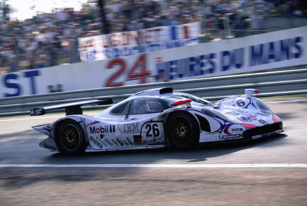 Allan McNish / Stéphane Ortelli / Laurent Aiello, Porsche AG, Porsche 911 GT1-98.