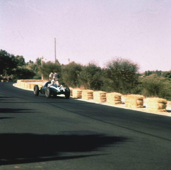 1959 Portuguese Grand Prix.Monsanto, Lisbon, Portugal.21-23 August 1959.Masten Gregory (Cooper T51 Climax) 2nd position.Ref-3/0167.World Copyright - LAT Photographic