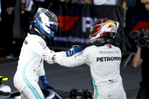 Race Winner Valtteri Bottas, Mercedes AMG F1 and Lewis Hamilton, Mercedes AMG F1 celebrate in Parc Ferme