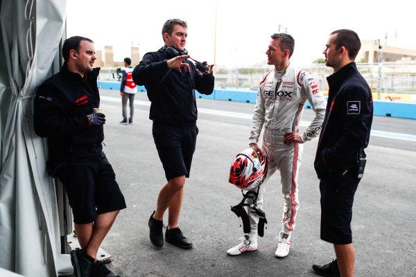 Maximilian Günther (DEU), Dragon Racing talks to Dragon engineers