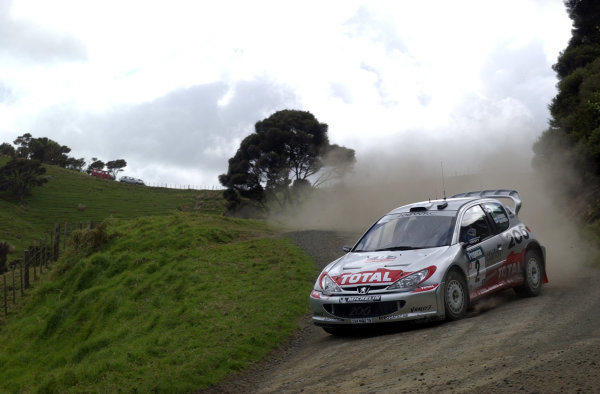 2002 World Rally Championship.Propecia Rally of New Zealand, Auckland, October 3rd-6th.Marcus Gronholm during shakedownPhoto: Ralph Hardwick/LAT