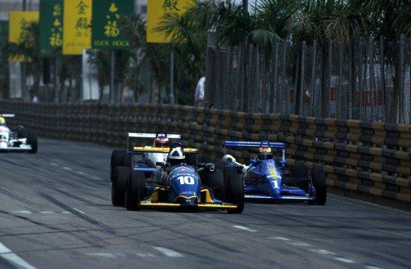 Race winner David Coulthard (GBR) Paul Stewart Racing. 38th Macau Grand Prix, Hong Kong, 28 November 1991.