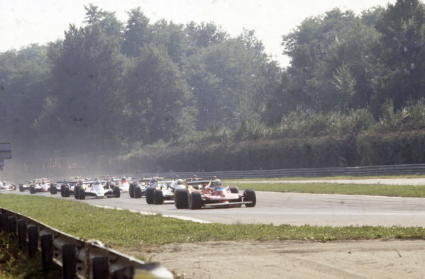 Jody Scheckter, Ferrari 312T4 leads  René Arnoux, Renault RS10 and team mate Gilles Villeneuve, Ferrari 312T4B.