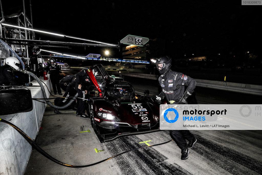 #55 Mazda Team Joest Mazda DPi, DPi: Jonathan Bomarito, Harry Tincknell, Ryan Hunter-Reay, pit stop