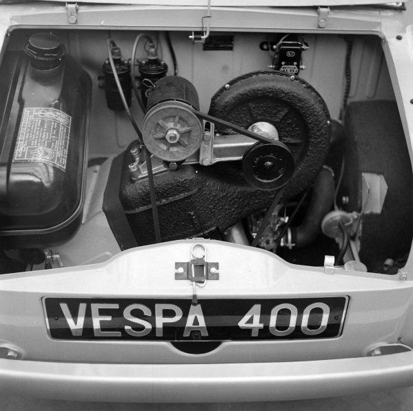 Vespa 400 engine