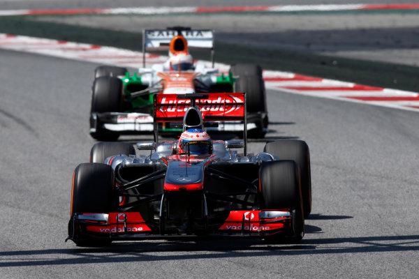 Circuit de Catalunya, Barcelona, Spain 12th May 2013 Jenson Button, McLaren MP4-28 Mercedes, leads Paul di Resta, Force India VJM06 Mercedes.  World Copyright: Glenn Dunbar/LAT Photographic ref: Digital Image _89P6182