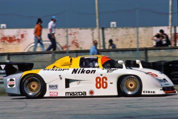 David Kennedy (IRL) / Jean-Michael Martin (BEL) / Philippe Martin (BEL) Mazda 737C. Le Mans 24 Hours, Le Mans, France, 15 - 16 June 1985.
