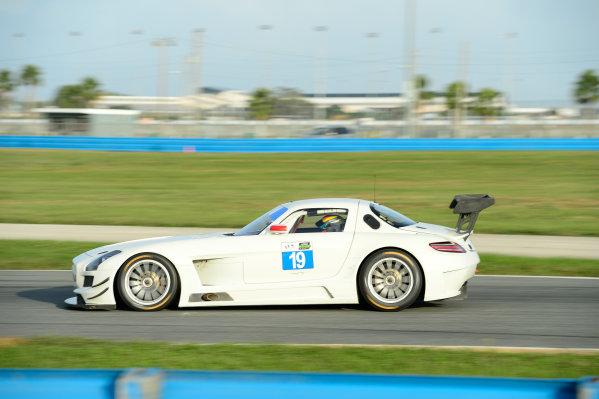17-18  November,  2015, Daytona Beach, Florida, USA 19, Mercedes, SLS AMG GT3, GTD, Victor Gomez IV ©2015, Richard Dole LAT Photo USA