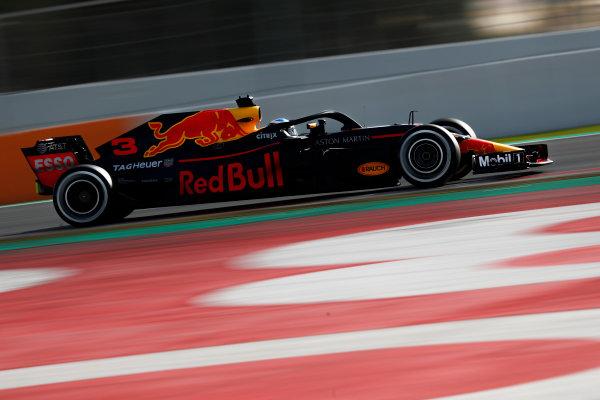 Circuit de Catalunya, Barcelona, Spain. Friday 09 March 2018. Daniel Ricciardo, Red Bull Racing RB14 Tag Heuer. World Copyright: Glenn Dunbar/LAT Images ref: Digital Image _X4I1832