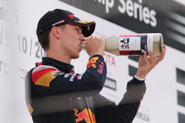 2017 Japanese Super Formula. Autopolis, Japan. 8th - 9th September 2017. Rd 5. Winner Pierre Gasly ( #15 TEAM MUGEN SF14 ) podium portrait World Copyright: Masahide Kamio / LAT Images 2017_SF_Rd5_008