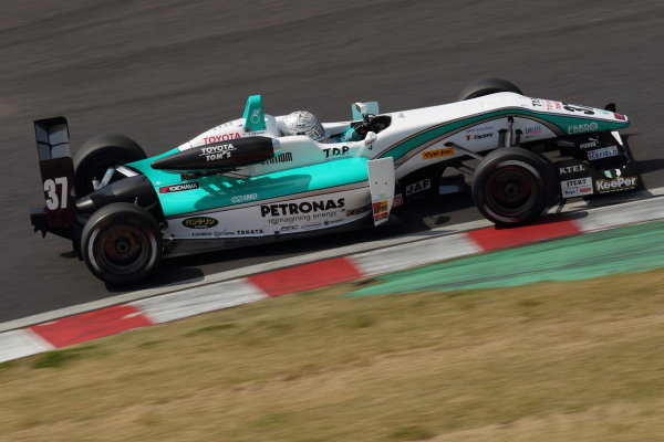 Suzuka, Japan. 13th - 14th April 2013. Rd 1. Race 1 Winner Takamoto Katsuata ( #37 PETRONAS TEAM TOM'S ) action World Copyright: Yasushi Ishihara/LAT Photographic Ref: 2013_JF3_Rd1&2_003