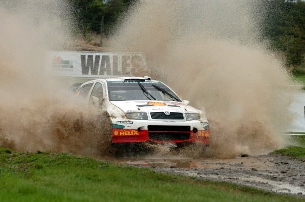 Colin McRae (GBR), Skoda Fabia WRC, through the watersplash on Stage 15. FIA World Rally Championship, Rd12, Wales Rally GB, Cardiff, Wales, Day Three, Sunday 18 September 2005. DIGITAL IMAGE