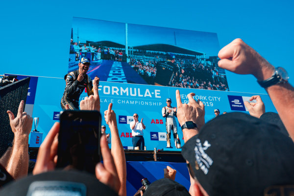 Jean-Eric Vergne (FRA), DS TECHEETAH celebrates winning the championship on the podium
