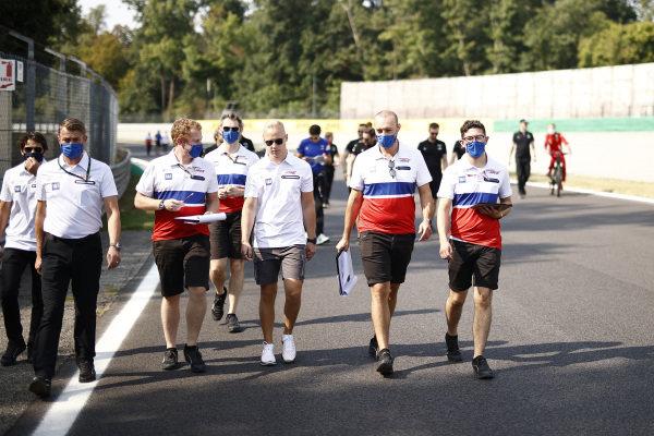 Nikita Mazepin, Haas VF-21 track walk