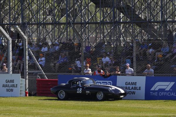Richard Meins, Jaguar E-Type, stops on the grass