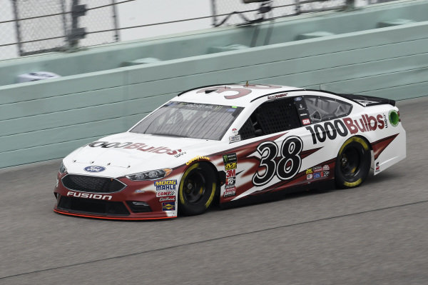 #38: David Ragan, Front Row Motorsports, Ford Fusion 1000Bulbs.Com