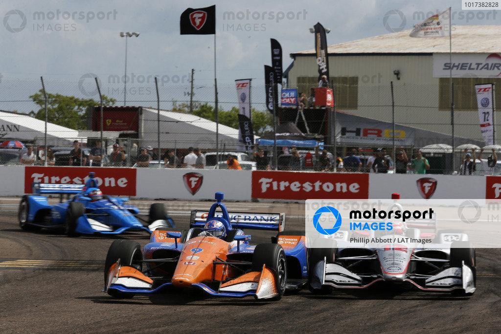 Scott Dixon, Chip Ganassi Racing Honda passes Will Power, Team Penske Chevrolet