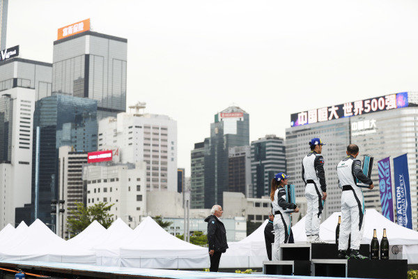 The PRO AM podium: Bandar Alesayi (SAU), Saudi Racing, 2nd position, winner Yaqi Zhang (CHI), Team China, and Célia Martin (FRE), Viessman Jaguar eTROPHY Team Germany, 3rd position