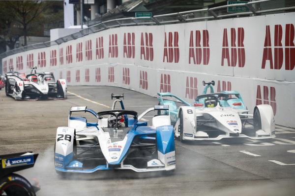 Antonio Felix da Costa (PRT), BMW I Andretti Motorsports, BMW iFE.18 leads Tom Dillmann (FRA), NIO Formula E Team, NIO Sport 004 and Felipe Nasr (BRA), GEOX Dragon Racing, Penske EV-3