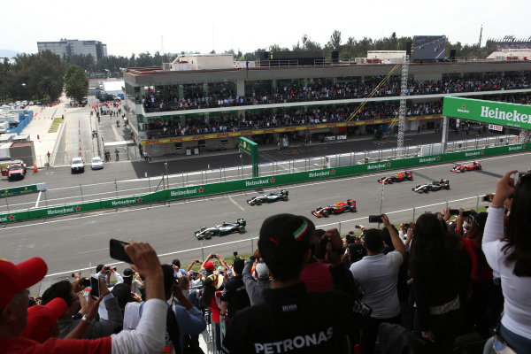 Lewis Hamilton (GBR) Mercedes-Benz F1 W07 Hybrid leads at the start of the race at Formula One World Championship, Rd19, Mexican Grand Prix, Race, Circuit Hermanos Rodriguez, Mexico City, Mexico, Sunday 30 October 2016. BEST IMAGE