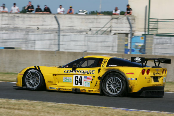 2005 Le Mans 24 Hours Le Mans, France. 18th - 19th June Oliver Gavin (GB)/Olivier Beretta (MC)/Jan Magnussen (DK) (no 64 Chevrolet Corvette C6R, Corvette Racing/Pratt & Miller) drives slowly back to the pits with a puncture. Action. World Copyright: Richard Dole/LAT Photographic Ref: Digital image only.