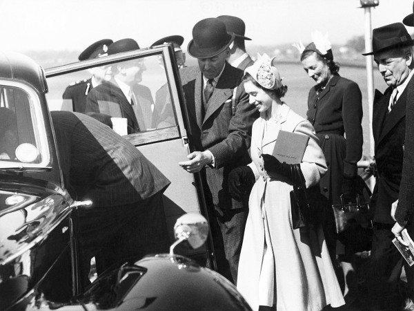 1950 British Grand Prix.Silverstone, Great Britain. 13th May 1950. Princess Margaret leaves the circuit.World Copyright: LAT Photographic.ref: B&W Print