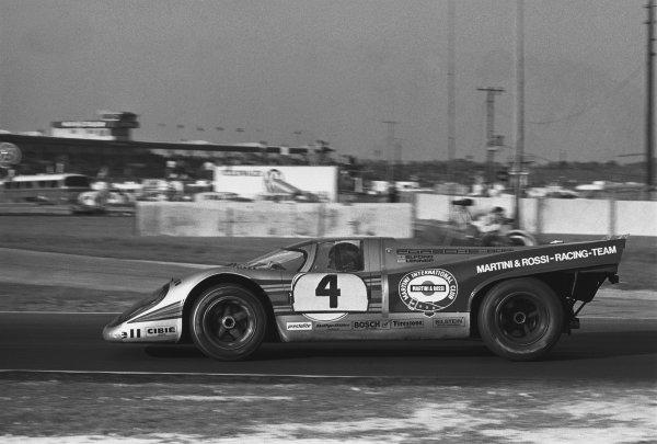 1971 Daytona 24 Hours. Daytona, Florida, USA. 30th - 31st January 1971. Rd 2. Vic Elford / Gijs van Lennep (Porsche 917K), retired, action.  World Copyright: LAT Photographic. Ref: 3493 - 1A.