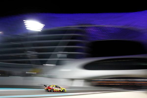YAS Marina Circuit, Abu Dhabi. 10th -  12h February 2011. Russell Ingall, (Nemo Racing Pty Ltd).  Atmosphere. Action.  World Copyright: Drew Gibson/LAT Photographicref: Digital Image DG5D7214