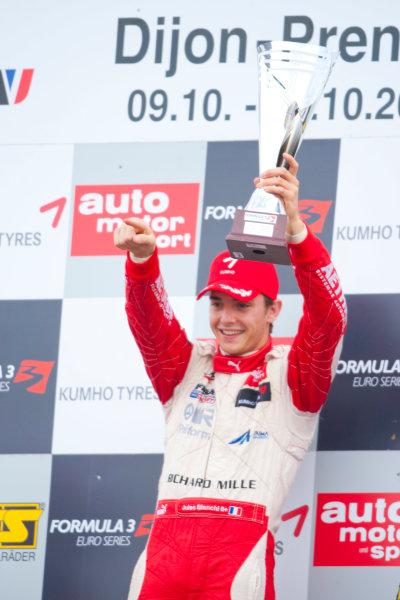 Dijon - Prenois, France. Sunday 11th October. Jules Bianchi (ART Grand Prix Dallara F308 / Mercedes) celebrates winning the 2009 Formula 3 Euro Series on the podium.World Copyright: Alastair Staley/LAT Photographic.Ref: _O9T9738 jpg