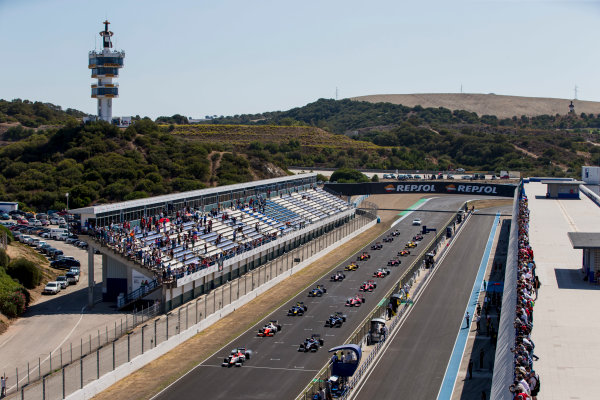 2017 FIA Formula 2 Round 10. Circuito de Jerez, Jerez, Spain. Sunday 8 October 2017. Alex Palou (JPN, Campos Racing), leads Luca Ghiotto (ITA, RUSSIAN TIME) and the rest of the field at the start of the race. Photo: Zak Mauger/FIA Formula 2. ref: Digital Image _X0W2652