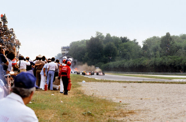 Monza, Italy. 8-10 September 1978. The first lap multiple accident which claimed the life of Ronnie Peterson (Lotus 78-Ford) at the start, action.  World Copyright: LAT Photographic. Ref: 78 ITA24
