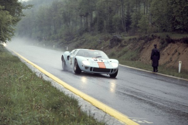 1968 Spa-Francorchamps 1000 kms.Spa-Francorchamps, Belgium.26th May 1968.Paul Hawkins/David Hobbs (Ford GT40), 4th position, action.Ref-68 SPA 02World - LAT Photographic.