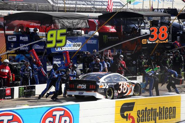 #38: David Ragan, Front Row Motorsports, Ford Mustang MDS Transport