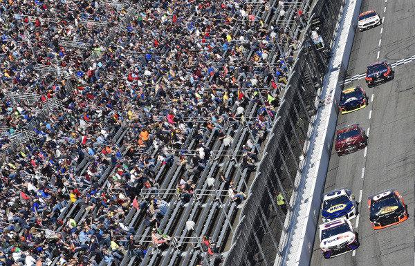 #11: Denny Hamlin, Joe Gibbs Racing, Toyota Camry FedEx Ground and #8: Daniel Hemric, Richard Childress Racing, Chevrolet Camaro Bass Pro Shops