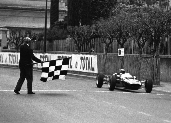 1964 Monaco F3 Grand Prix, Monte Carlo.9 May 1964.Jackie Stewart (Cooper), 1st position.World - LAT Photographic