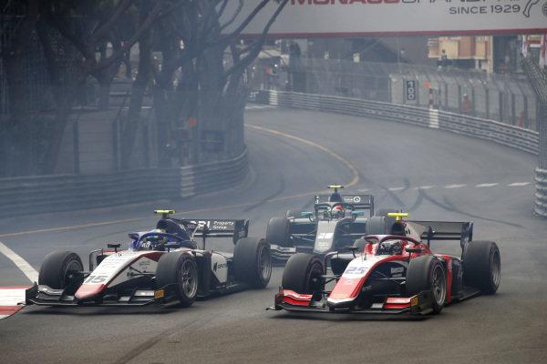 Guilherme Samaia (BRA, Charouz Racing System), leads Marino Sato (JPN, Trident), and Gianluca Petecof (BRA, Campos Racing), at the start